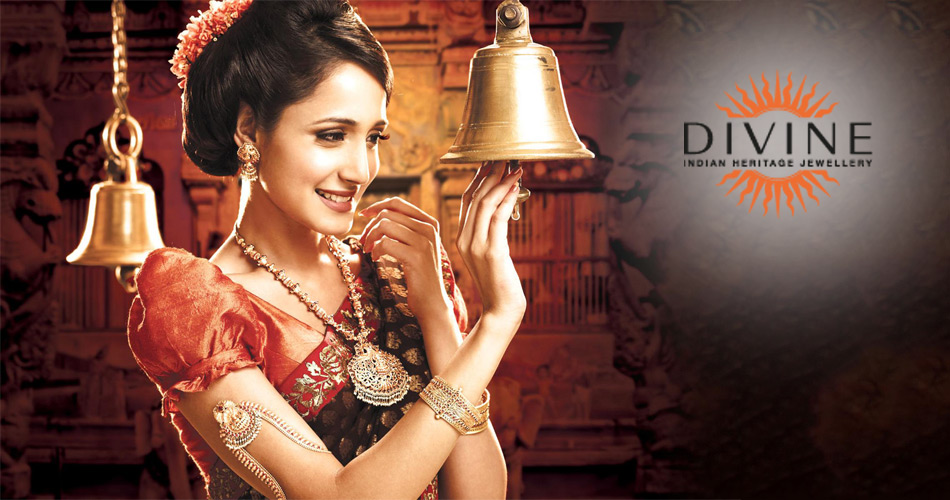 indian models wearing jewellery